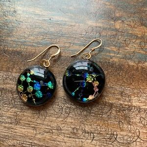 ✨NWOT✨Beautiful art festival iridescent earrings!!